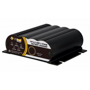 Oztrail 2.5 Amp 3 Stage Battery Charger